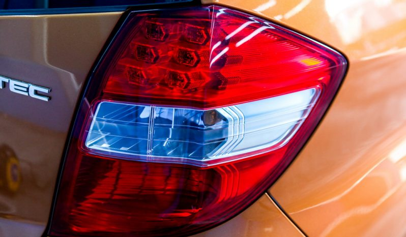 HONDA JAZZ V i-VTEC ปี 2011 full